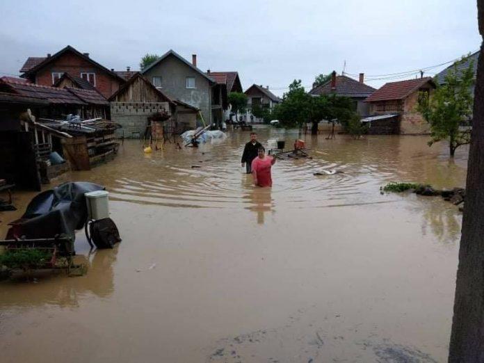 Poplavljene kuće u Palanci kod Brčkog, Foto: Amela Salkanović, Facebook